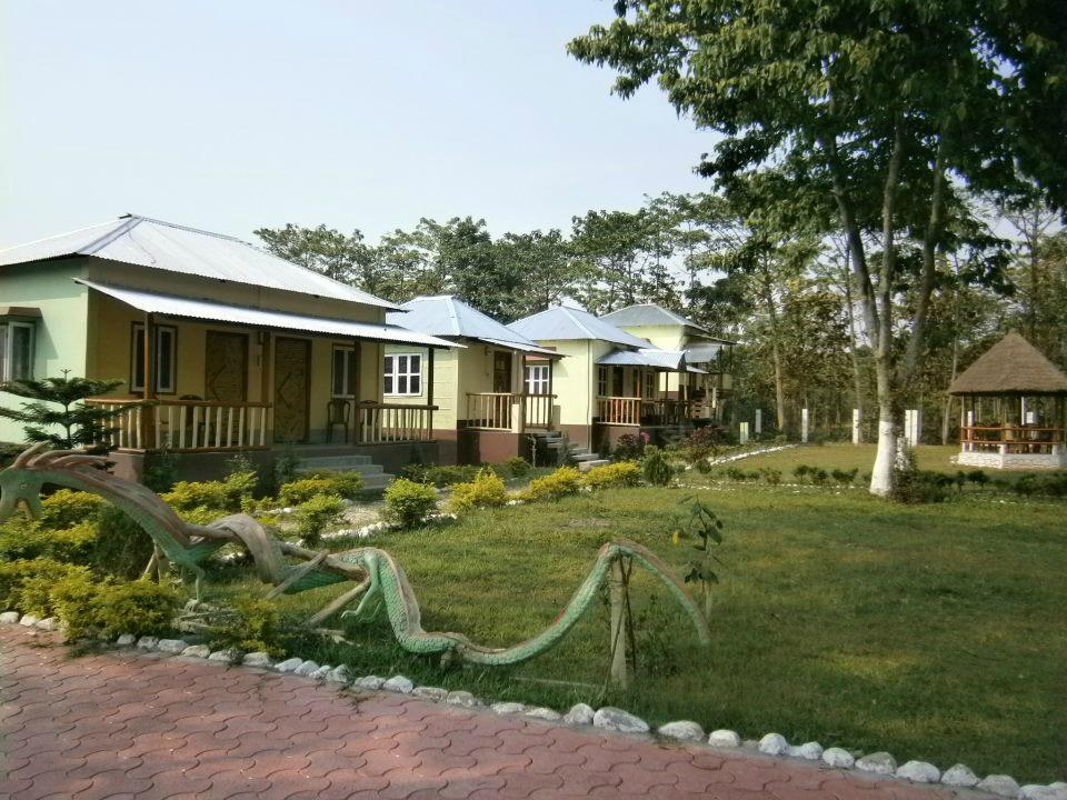 Hotels in Jaldapara | Hollong lodge booking | hollongecoresort.com